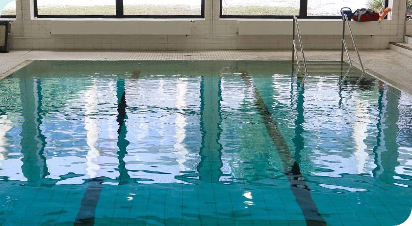 Schwimmbecken im Augustinum Dortmund