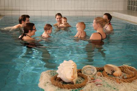 Babyschwimmen im Jung-Stilling-Krankenhaus Siegen